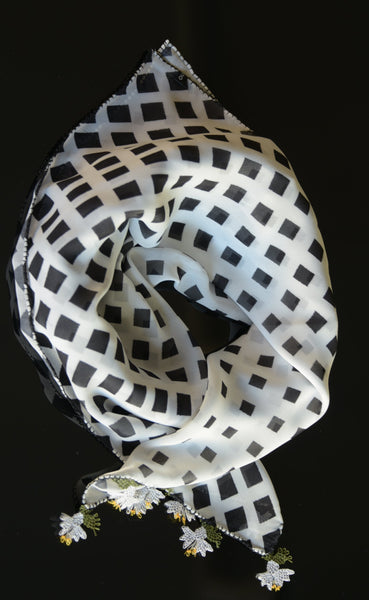 GiGi Collection silk w/ lace - Neckscarf - black&white