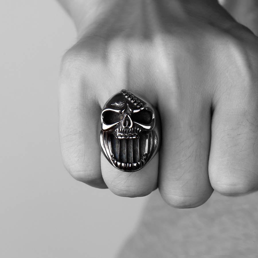 CAVEIRA™ SKULL RING BOTTLE OPENER