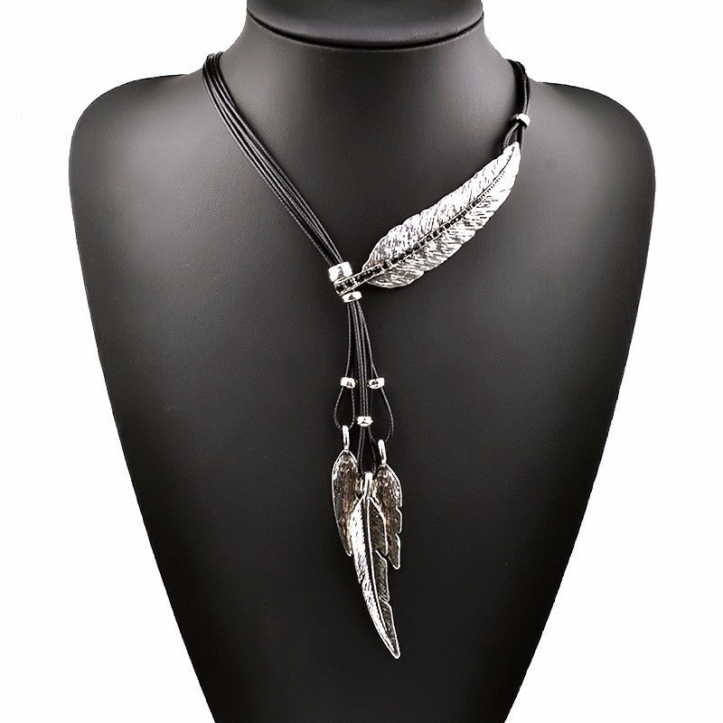 Bohemian Leaf Pendant Necklace