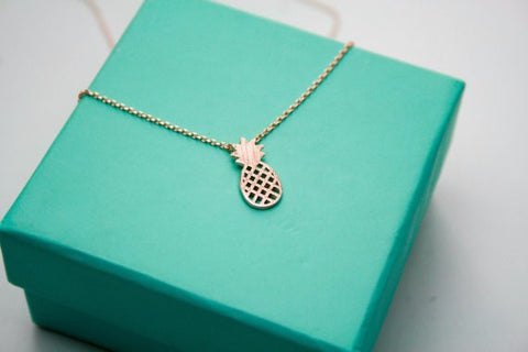 Dainty Pineapple Pendant Necklace
