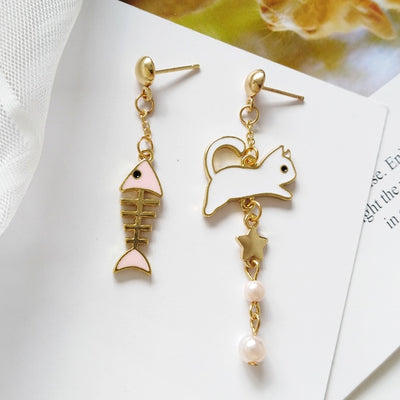 Gold Star Cat And Fish Bone Earrings