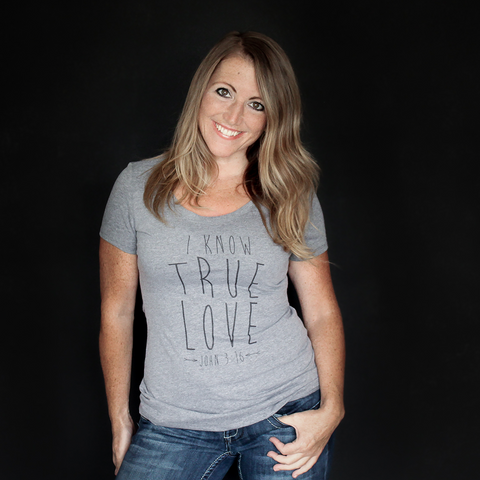 "Dark Heather Gray ""I Know True Love"" Fitted Tee - The Talking Shirt"