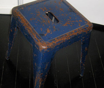Blue Stool (toil)