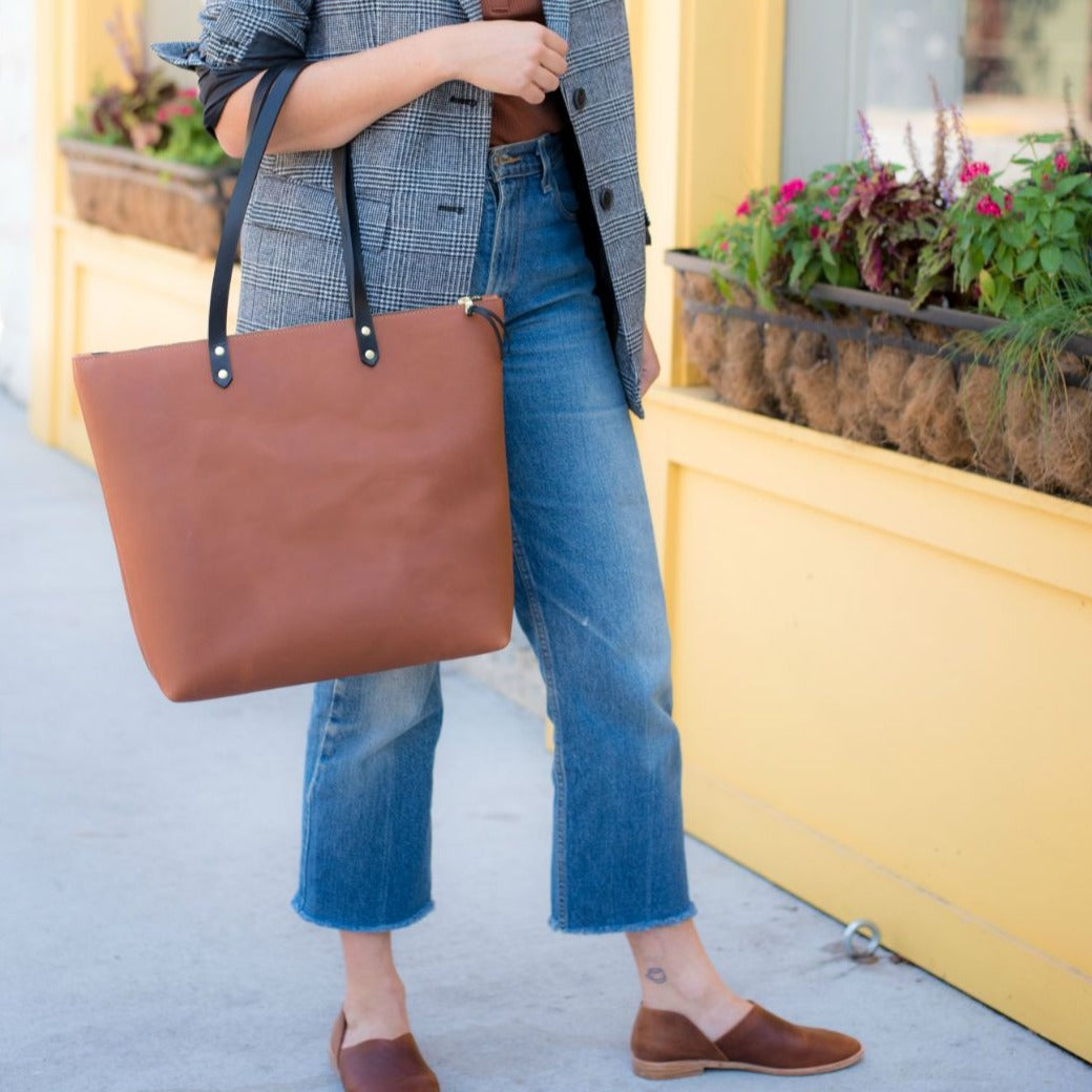The Niki Zip Tote