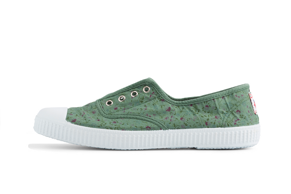370a98b8c7 Slip on canvas shoe floral green I Women s plimsolls I Made in Spain -  Cienta Shoes - Australia
