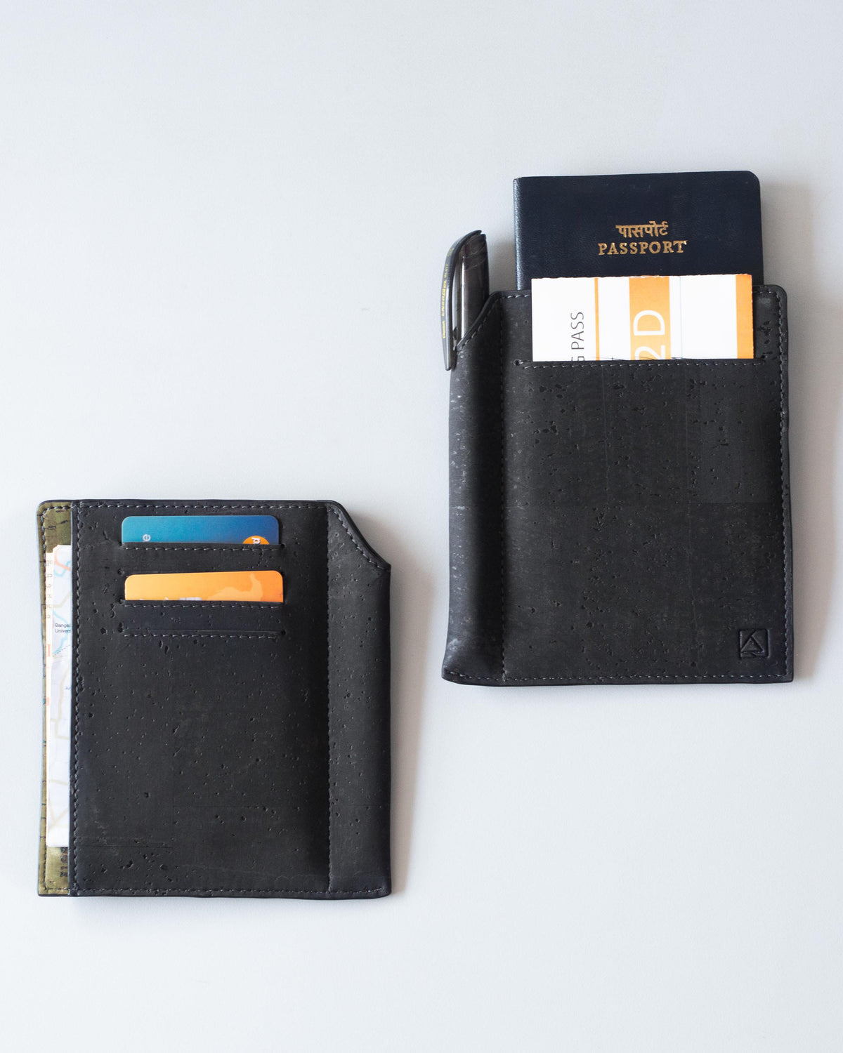 Kite Slim Passport Sleeve - Black
