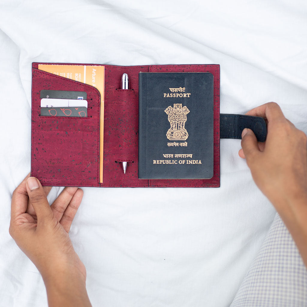 Cedar Passport Sleeve - Blue