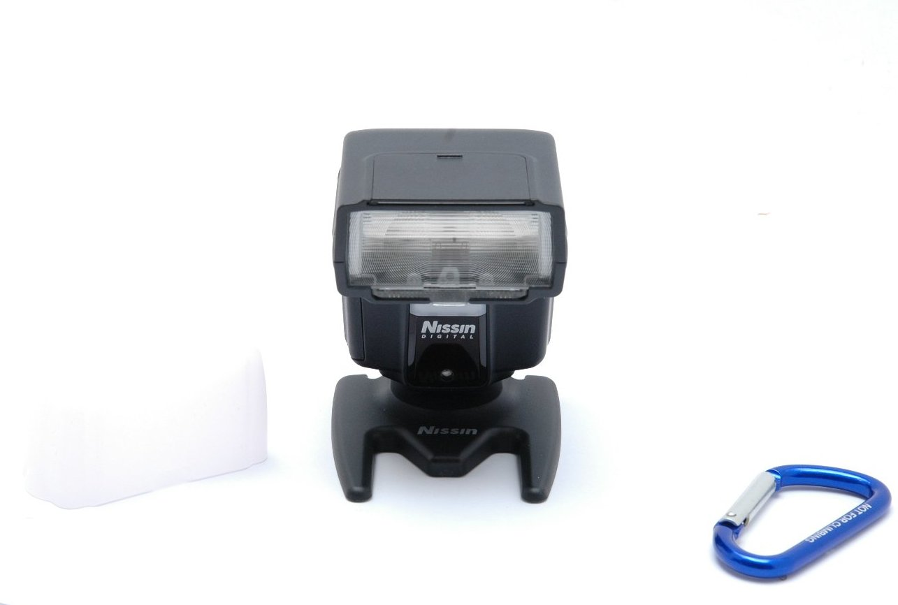 Used Nissin i40 Flashgun, Fuji Dedicated