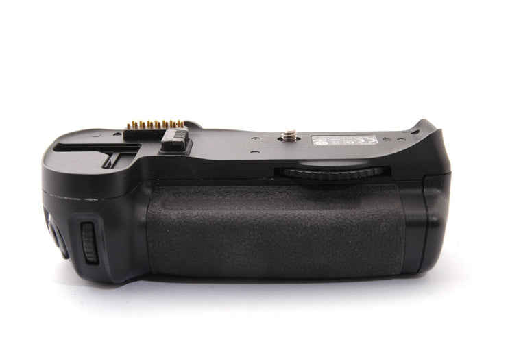 Used Nikon MB-D10 Battery Grip for D300/700