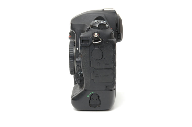 Used Nikon D5 (Dual XQD) Camera Body - Black