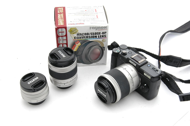 Used Pentax Q with 01 8.5mm f1.9 and 02 5-15mm f2.8-4.5 and 06 15-45mm f2.8 and Macro/Close-up Conversion Lens
