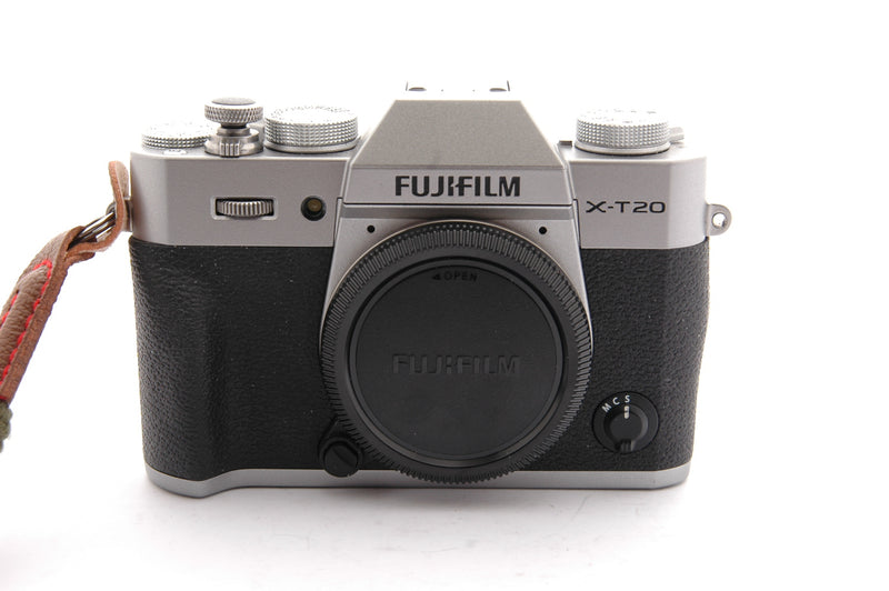 Used Fujifilm X-T20 with XF 18-55mm f/2.8-4 R LM OIS Lens