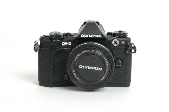Used Olympus OM-D E-M5 II with 14-42mm Lens