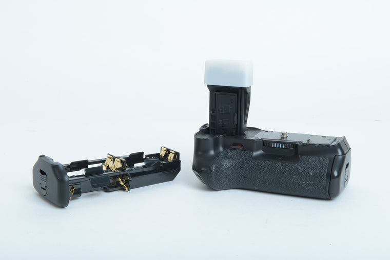 Used Battery Grip for Canon EOS-700D/650D/600D/550D