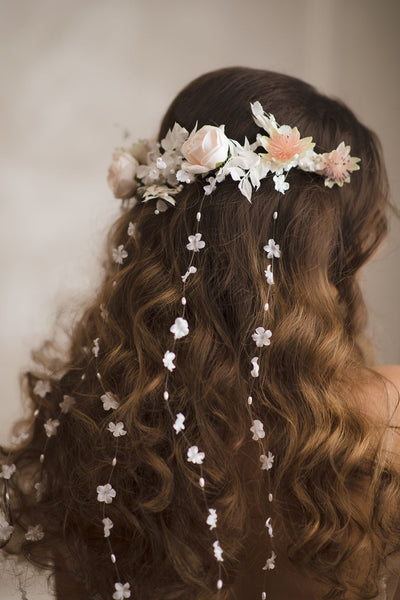 Romantic bridal half wreath Hair vines Wedding pastel headpiece Light peach Ivory wreath Crown for bride White half wreath Magaela Haarkranz