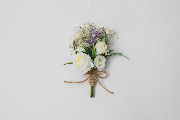 White and ivory bridal bouquet Groom's boutonniere Matching accessories Corsage fro groom Cream bridesmaid bouquet Magaela 2021 wedding