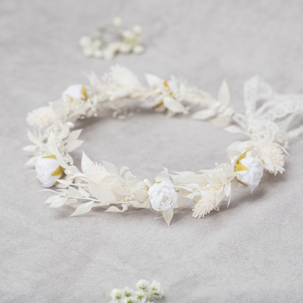 Communion flower wreath with white peonies, Hair crown for girls, First holy communion 2021, Communion hair jewellery, Hair flowers, Magaela