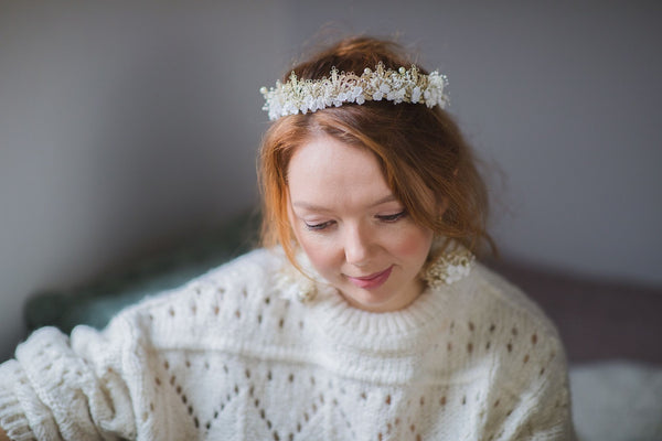 Gold and white bridal hair crown with lace and pearls Wedding 2021 Headpiece Luxury Bride Magaela Handmade Elegant wedding tiara Hair wreath