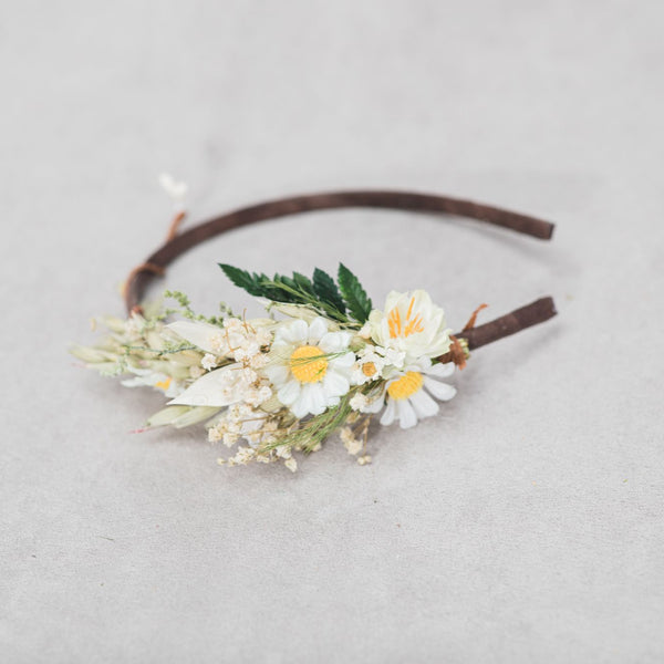 Daisy flower headband Natural preserved headband Wedding hair flower Ivory Flower girl Meadow flower headband Spring wedding Magaela