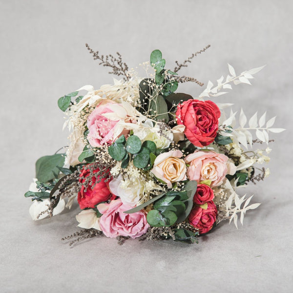 Romantic pink and red bridal bouquet Small Natural flower bouquet Bridesmaid bouquet with roses and eucalyptus Magaela Blush Bouquet ideas