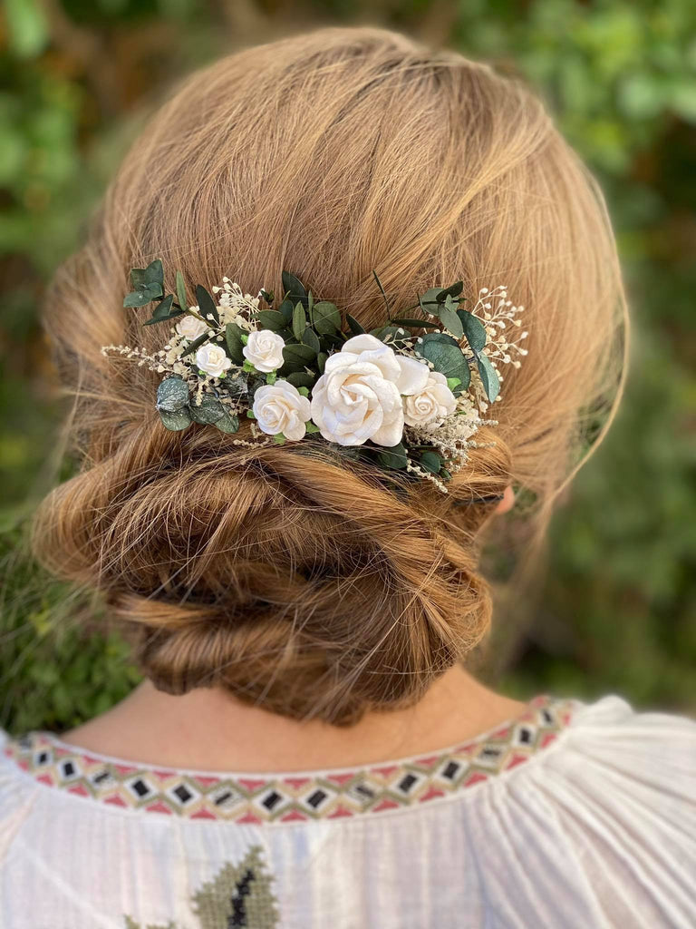 Romantic greenery hair comb Bridal flower comb with roses White and green  hair comb Boho wedding Off white headpiece Magaela handmade