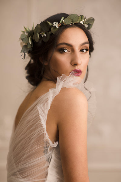 Greenery boho flower crown Bridal wreath with flower arrangement at the back Flower crown with eucalyptus Bridal hair wreath 2021 Wedding Magaela accessories