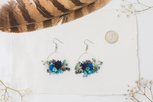 Blue circle dangle earrings Vintage flower earrings Surgical steel blue flower earrings for bride Dried flowers Magaela handmade