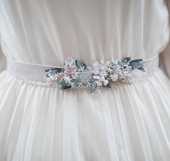 SALE Pastel flower belt Bridal natural sash with Ivory wedding sash Blumen hochzeit Belt for bride on shiny ribbon Magaela Handmade White winter