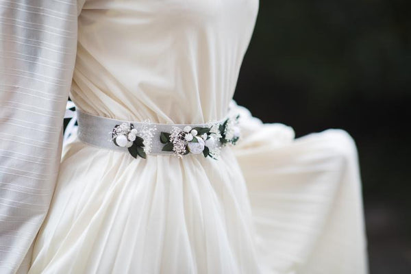 SALE Greenery flower belt Bridal natural sash with pearls Ivory and green wedding sash Blumen hochzeit Belt for bride on ribbon Magaela Handmade