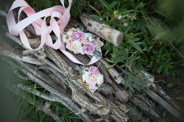 Romantic pink flower belt Floral belt on satin ribbon Pastel colors Wedding accessories Belt on dress