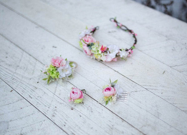 Spring hair tie Fresh flower hair tie Green Pink White Flower hair tie Flower hair accessories Wedding accessories Magaela accessories