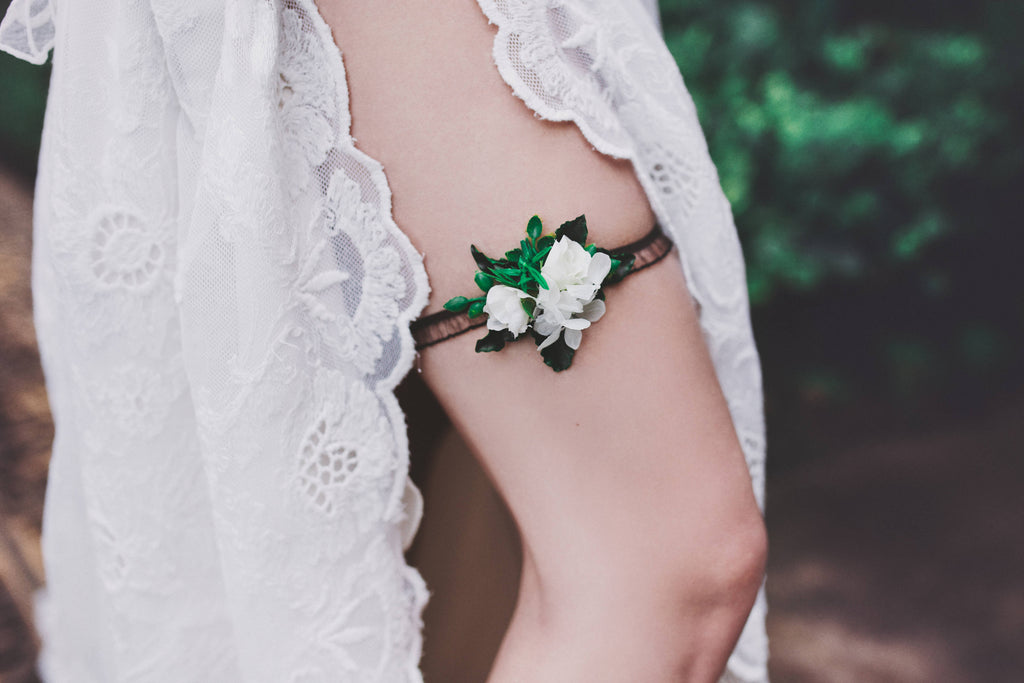 Flower garter  Garter for bride Greenery garter Wedding garter Floral garter Bridal floral garter Lace Black and white garter Handmade