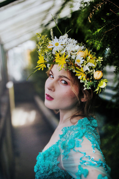 Boho hair wreath Meadowy hair wreath Spring wreath Bridal hair crown Flower hair wreath Hair wreath with daisy in yellow color