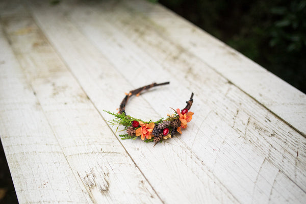 Woodland headband Autumn headband Flower headband Headband with pine cones Bridal headband Hair accessories Flowers in hair