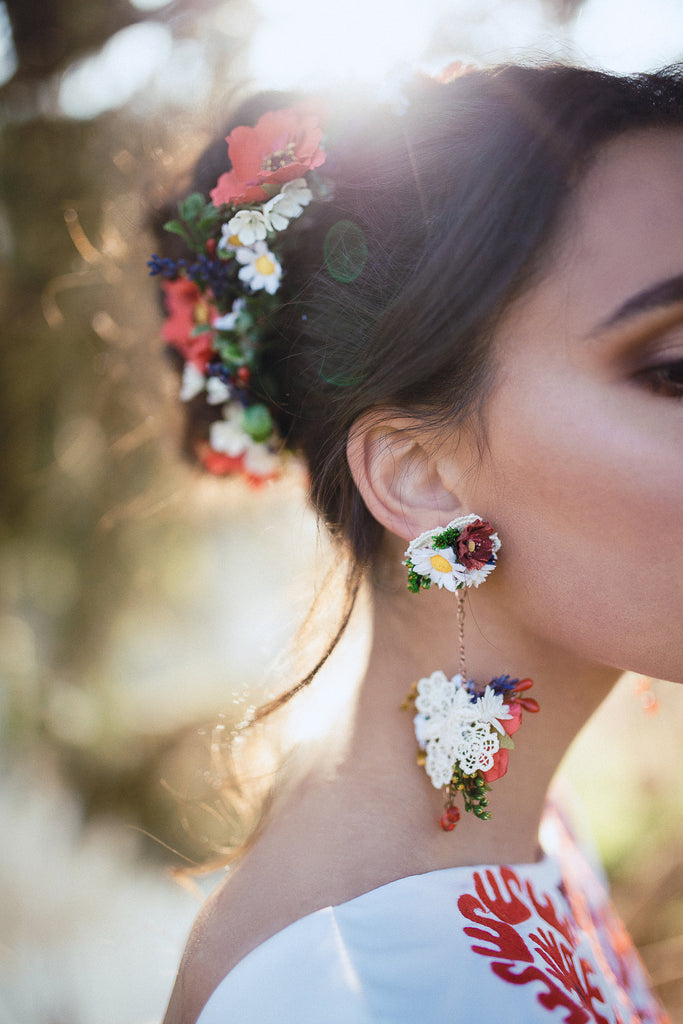 Folk meadowy earrings Wedding floral earrings Wedding accessories Wedding jewellery Magaela accessories Handmade Flower dangle earrings