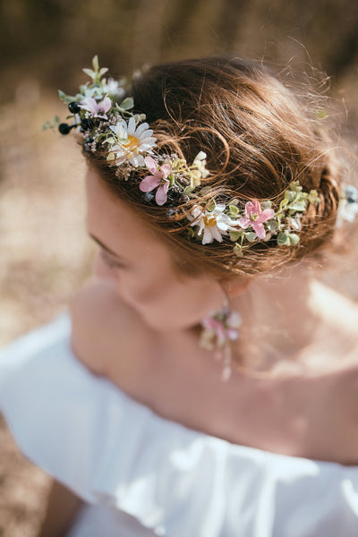 Meadowy floral half wreath with daisies Romantic half wreath Handmade half wreath Wedding accessories Magaela Floral wreath Hair jewellery