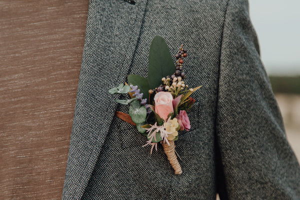 Flower boutonniere for groom Wedding corsage Men's accessories Romantic boutonniere Handmade groom's boutonniere Wedding accessories
