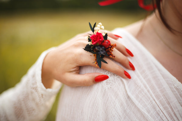 Red boho ring with preserved leaves Wedding accessories Flower ring Floral ring Adjustable size ring Ring for bridesmaid Without nickel
