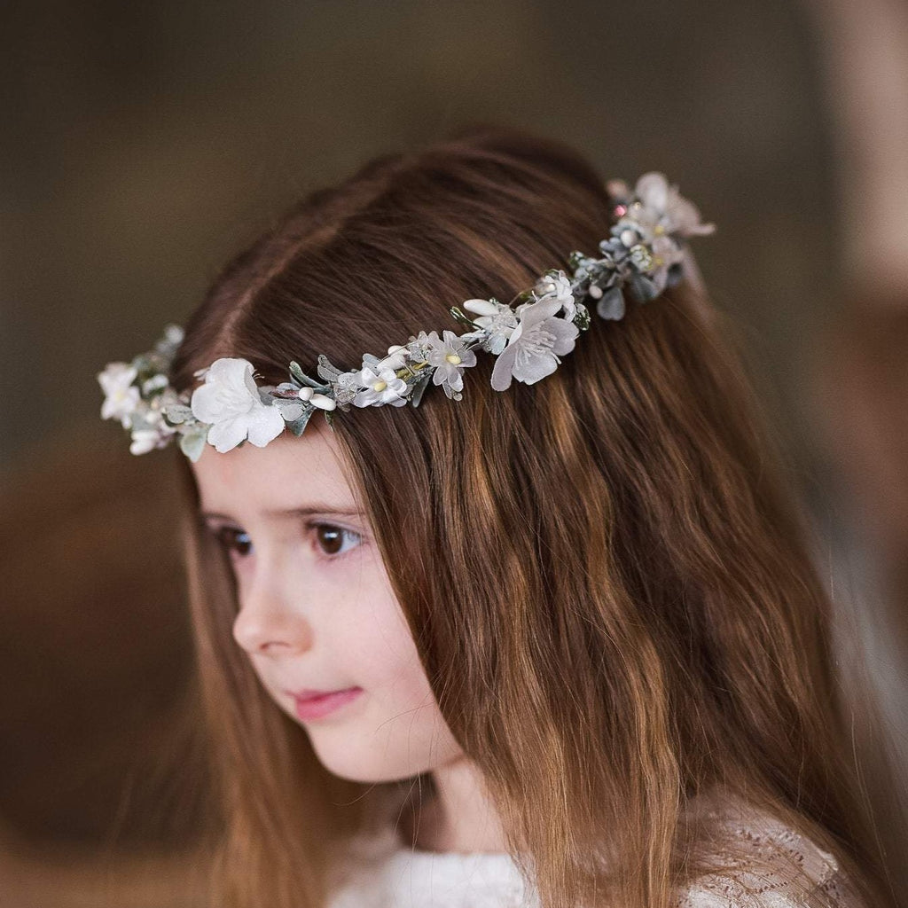 Hair crown for first holy communion White floral wreath Hair flowers Floral accessories Hair accessories Magaela Handmade