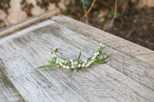 White and green floral hair arrangement Flower arrangement Hair flowers Wedding hair accessories Hair wreath Bridal accessories Handmade