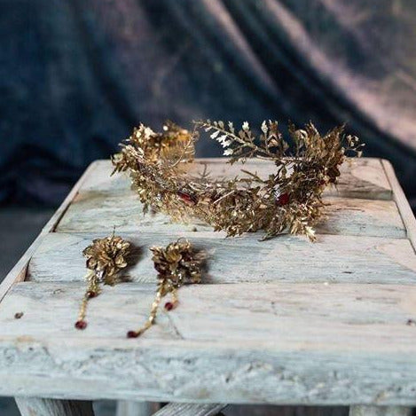Golden flower accessories Floral crown Magaela accessories Floral earrings Hair jewellery Handmade product Elegant style Wedding accessories
