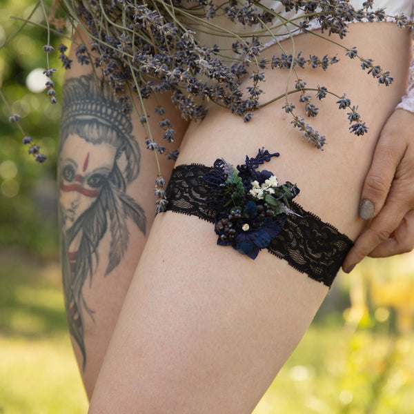 Black and navy wedding Garter Wedding accessories Flower Garter for bride Wedding garter Bridal floral garter Wedding garter on lace