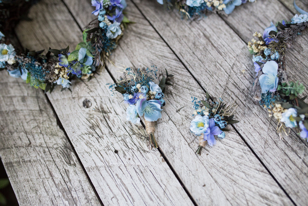 Blue boutonniere with blueberries and preserved leaves Wedding accessories Groom's accessories Natural style boutonniere Buttonhole