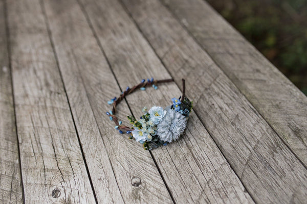 Blue bridal flower hairband Wedding headband Bridal hairband Floral accessories Wedding accessories Magaela accessories Hair accessories