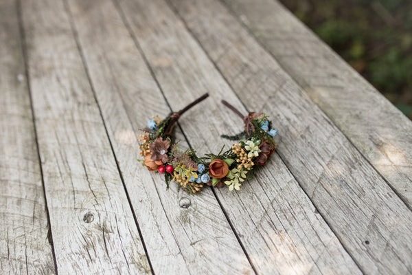 Woodland bridal flower hairband with berries Wedding headband Bridal hairband Floral accessories Wedding accessories Magaela accessories
