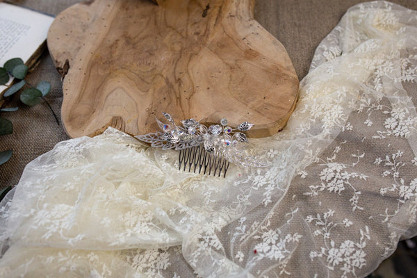 Wedding hair comb with Swarovski crystals Bridal hair comb Flower hair comb Wedding accessories Hair accessories Swarovski hair comb