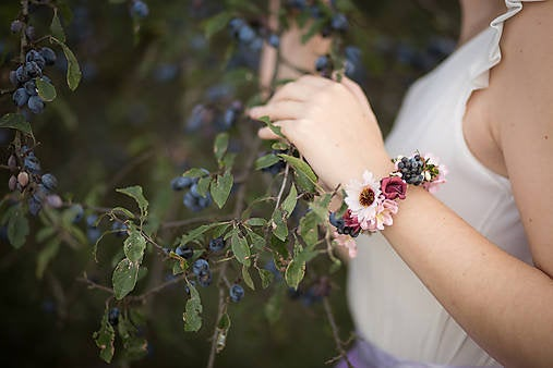 Romantic bracelet with berries Flower bracelet Romantic jewellery Meadowy Boho wedding Bracelet for bride Bracelet for bridesmaid
