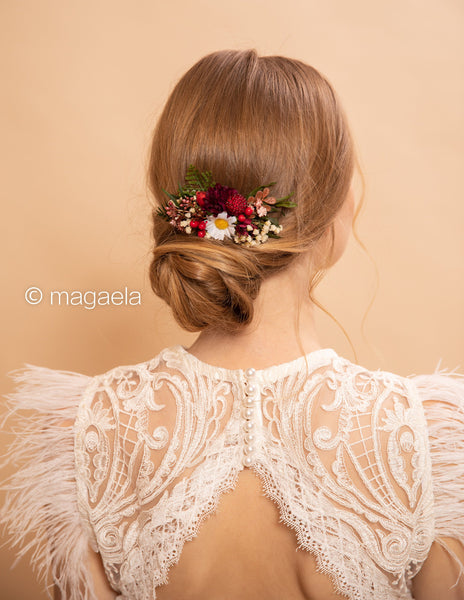Flower wedding hair comb with berries Woodland wedding Hair comb with daisies Wedding accessories Bridal flower comb Magaela