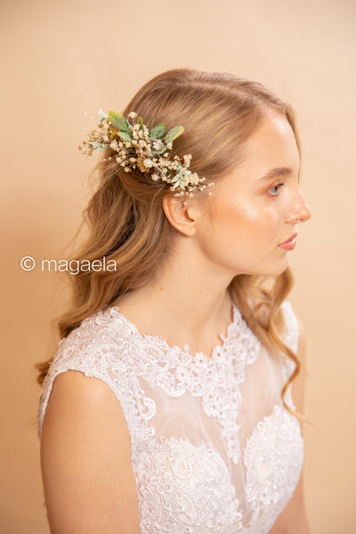Natural flower hair comb Beige bridal hair comb Wedding flower comb Bridal accessories Magaela accessories Flower accessories Baby's breath