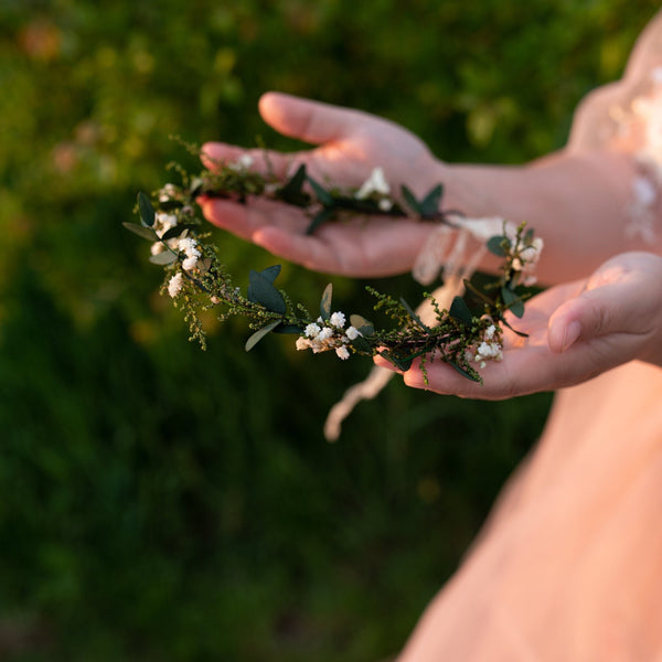 Natural greenery wedding hair crown Bridal flower hair wreath Baby's breath Magaela accessories Handmade hair wreath Greenery Wedding